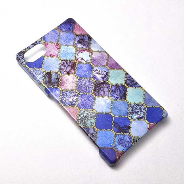 Royal Purple Mauve and Indigo Decorative Moroccan Tile Pattern Xperia Z5 Compactケース